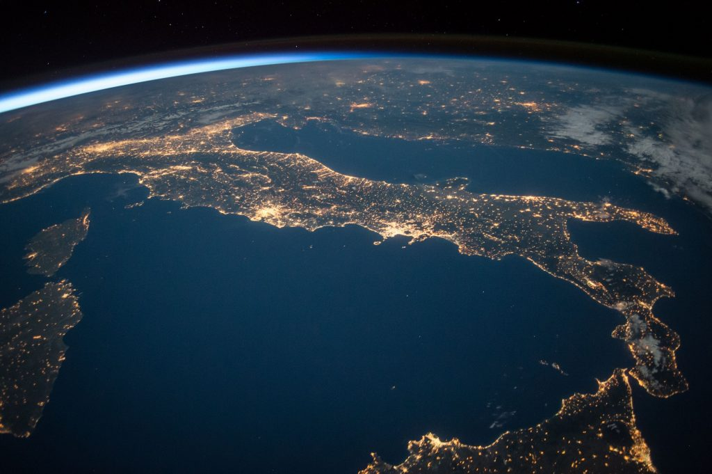 Slow Hack 005: The Earth Overview Effect that Inspires Astronauts